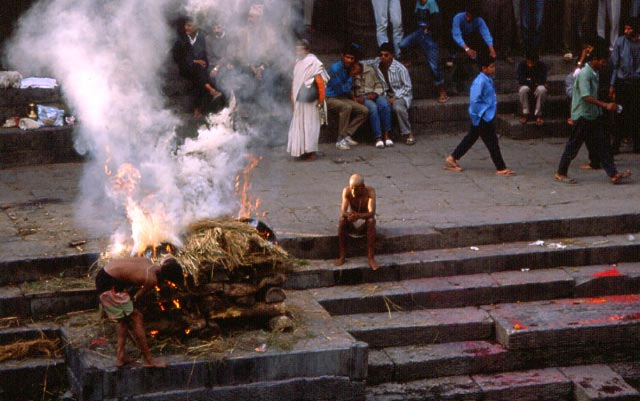 pashupatinat-cremation-1.jpg